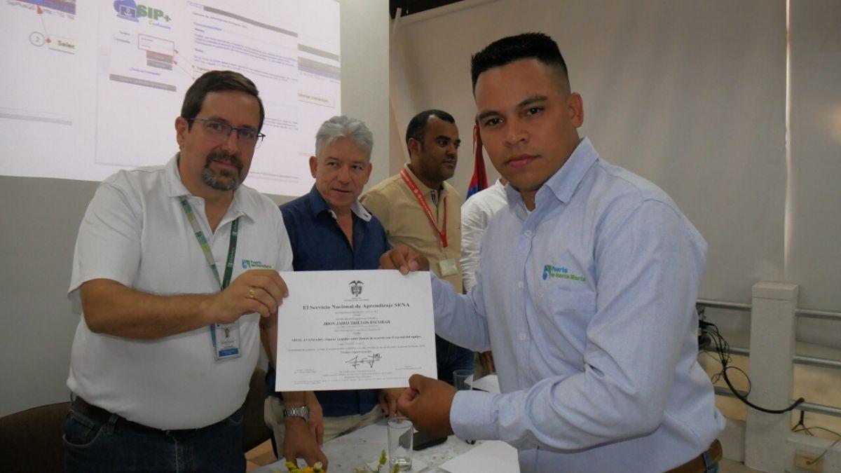 empleados-puerto-santa-marta-certificados