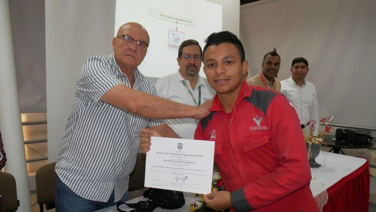 entrega-certificados-puerto-santa-marta